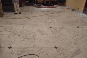 大理石床研磨鏡面仕上げの施工前画像