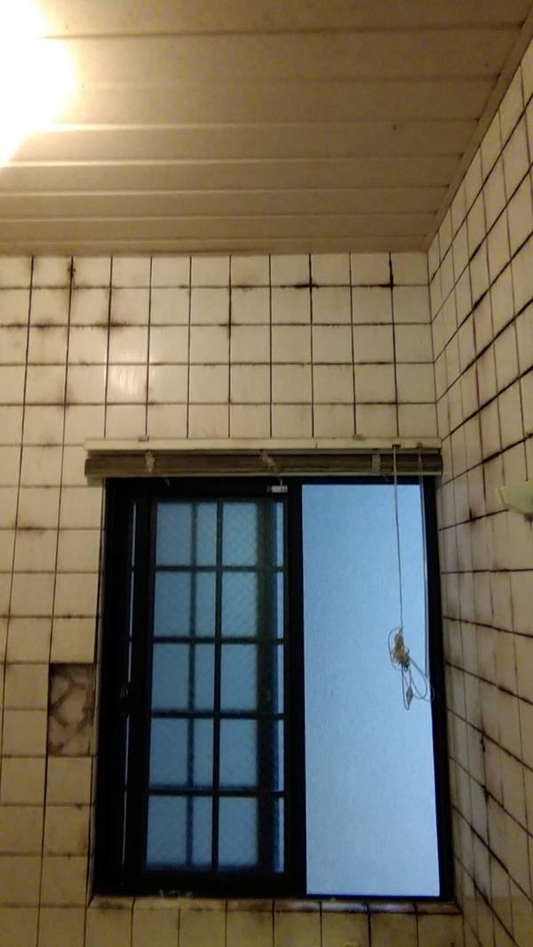 (長崎市内)浴室〔お風呂〕内カビ、水垢クリーニング